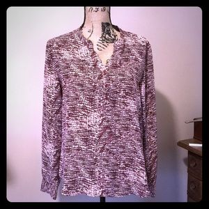 Violet + Claire L abstract patterned blouse